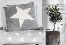 Gwiazdy w dekoracji domu / #dekoracjadomu #dekoracjagwiazdy #gwiazdy #gwiazdki #gwiazdkiwdomu #gwieździstewnetrza #gwieździstepoduszki, dekoracyjnepoduszki