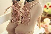S H O E S ☼ Impressive ☼ Adorable / Beautiful shoes... usually high heels... #boho, #hippie, and #romantic style. Enjoy them! :)