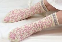 Neulotut sukat ja tossut