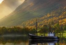 Escocia / Rodeado de laderas y magníficas montañas, el Canal de Caledonia se extiende desde Inverness, capital de las Highlands (o Tierras Altas), hasta Fort William. Disfruta de este bello país para pescar o para gozar de un buen vaso de whisky.