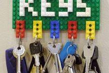 """Inspirations DIY Upcycling de jouets / Inspirations & belles idées pour les Do it Yourself sur le thème """"Upcycling de jouets"""" ! Détourner des jouets pour leur donner une seconde vie utile, ludique, déco...   Venez publiez vos propres créations sur OuiAreMakers.com si vous voulez partager vos techniques et idées avec le monde entier!"""