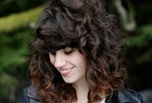 Curly & Wavy Hair / Quickly refresh, reshape, and revive limp curls by adding mist from ends to roots or just where you need it. Use the prongs of the Q-Redew to help distribute the mist just like the prongs of a diffuser on a hairdryer. Let hair cool before touching to avoid frizz. Tame any frizz with a light touch of gel or diluted conditioner rubbed between hands and gently applied to hair.