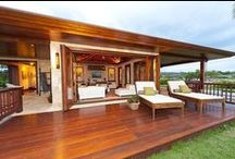 Patios, Porches & Courtyards / by Howard Curry