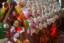 Gingerbread Houses / Gingerbread Houses - recipes and presentation ideas