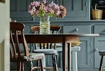 Love Benjamin Moore / Get inspired by painting ideas and color ideas for around the home. We've got projects that can help you decide how to remake your spaces, plus tips and advice when it comes to design. #BenjaminMoore #BenMoore #Paint #RockysACE rockys.com