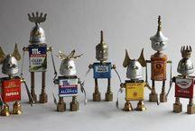 Scrap metal robots / Junk recycling into toys