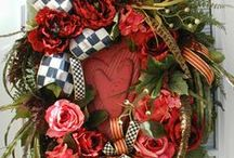 Wreaths / by Dorothy Laton