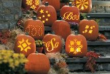 Halloween / Halloween Decorations. Halloween Food & Drinks. Find inspiration for spooky and fun, #Halloween decor and party ideas!