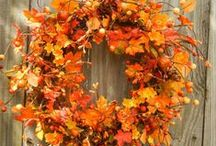 Fall & Thanksgiving / Autumn & Fall Decorating Ideas. Thanksgiving Centerpiece Inspiration. Beautiful Fall Wreaths. Entertaining Ideas & Treats. Get your home ready for the season!