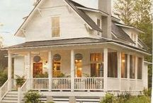 Exteriors & Landscaping / Farmhouse & Colonial
