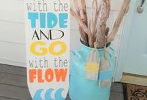 DIY wood signs / DIY wood signs.  How to make your own wood signs using paint and ink.