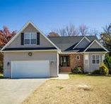 SOLD- 5 Roselynn Lane, Thomasville, NC 27360 / Look no further: this home has space for everyone! 3BD/2.5 Bath home split bedroom plan, upper bonus, massive den in basement has the half bath, tons of storage and more. Den has new flooring, upper level has new paint in main living areas, spacious rear deck and is move in ready. Hasty/Ledford School district. Outside storage shed plus additional unfinished basement area with double doors for more storage. IF you need a playroom, man-cave, she-room or just more space this one is for you!