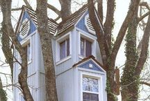 Cosy Treehouse / Cosy treehouses! I would love to live in!