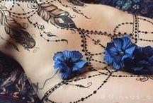 Tatuaż -emocjami maluje ciało Bo dusza tomało Aby powiedzieć tocobysię chciało