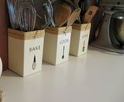 Kitchen Organizing / organized kitchen counter tops, storage, kitchen islands, kitchen sinks