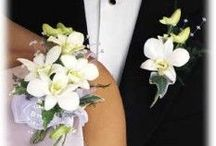Wedding - Boutonnieres & Corsages / by Deborah Drew