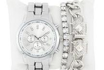 We Love: Watches / We've matched the items for you - stylized and ready to go!
