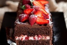 Cakes, cakes, cakes and... cakes!!! / Sweet temptation! Can you resist? I certainly can't....