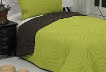 Cuverturi de pat / Cuverturi de pat matlasate cu fata dubla .