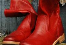 Boots (& all... :) ... shoes / Footwear... Comfortable &  pretty