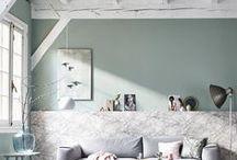 Thema - Lambrisering / Dé woontrend van najaar 2015? Lambrisering! Door middel van een houten, geverfde of behangen lambrisering geef je kleur aan je huis. Benieuwd hoe je ruimtelijke effecten creëert?