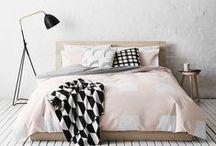 Schlafzimmer / Bedroom / Schöne Betten, Kissen, Lampen, kreative Nachttische und Kleiderschrank-Lösungen - alles für ein gemütliches Schlafzimmer