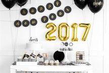 Silvester / New Year's Eve / Party Time! So kommt ihr mit leckeren Cocktails, schicken Deko-Ideen, funkelnden DIYs, kreativen Rezepten fürs Buffet und Outfit-Inspirationen perfekt ins neue Jahr.