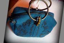 Gyöngyös-kötött kézitáska - Judy Majoros / Újrafelhasznált alapanyagokból kézzel készült egyedi kötött táska. megtekinthető még a www.facebook.com/judymajorosdesign oldalon. Köszönöm az érdeklődést! :) Handmade by Judy Majoros-  Wool Knit handbag with wooden handles. Beaded handbag. Recycled bag