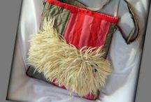 Pulitáska - Judy Majoros / Újrafelhasznált alapanyagokból kézzel készült egyedi táska. Megtekinthető még a www.facebook.com/judymajorosdesign oldalon. Köszönöm az érdeklődést! :) Handmade by Judy Majoros -Faux fur Hungarian Puli dog crossbody bag. Quilted Recycled bag. Gray-pink-red-white