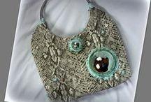 Buboréktáska - Judy Majoros / Újrafelhasznált alapanyagokból kézzel készült egyedi kézitáska. megtekinthető még: www.judymajoros.com vagy a www.facebook.com/judymajorosdesign oldalakon. Köszönöm az érdeklődést! :) Handmade by Judy Majoros -Bubble Python  leatherette handbag.Recycled bag