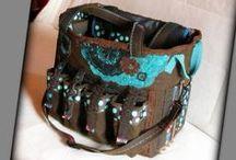 Scrapbook táska pöttyökkel - Judy Majoros / Újrafelhasznált alapanyagokból kézzel készült egyedi táska. Megtekinthető a www.facebook.com/judymajorosdesign oldalon. Köszönöm az érdeklődést! :) Handmade by Judy Majoros - Brown-turquoise polka dots chrochet scrapbooking tote-bag. Recycled bag. Materials:chrochet-cordura-rubber strap-velcro-canvas...