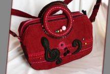 Zenetáska - Judy Majoros / Újrafelhasznált alapanyagokból kézzel készült egyedi táska. Megtekinthető a www.facebook.com/judymajorosdesign oldalon. Köszönöm az érdeklődést! :) Handmade by Judy Majoros - Red corduroy music bag. Black polka dots tulle. Felt Notes- violin key applique. Crossbody bag. Recycled bag. Beaded-crochet