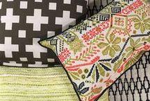 Woonaccessoires / Maak je interieur helemaal compleet met de mooiste woonaccessoires. Kussens, plaids, wanddecoratie of servies. Doe inspiratie op!