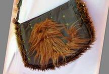 Szőrmés cicás táska - Judy Majoros / Újrafelhasznált alapanyagokból kézzel készített egyedi táska. megtekinthető még a www.facebook.com/judymajorosdesign oldalon. Köszönöm az érdeklődést! :) Handmade by Judy Majoros -Cat faux fur shoulder bag - crossbody bag.Recycled bag