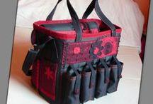 Scrapbook táska piros-feketében - Judy Majoros / Újrafelhasznált alapanyagokból kézzel készült egyedi táska. Megtekinthető a www.facebook.com/judymajorosdesign oldalon. Köszönöm az érdeklődést! :) Handmade by Judy Majoros - Black-red chrochet scrapbooking tote-bag. Recycled bag. Materials:chrochet-cordura-rubber strap-velcro-lace-satin...