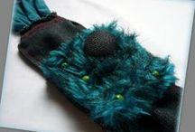 Szőrmés farmer karkötő - Judy Majoros / Újrafelhasznált alapanyagokból kézzel készített egyedi karkötő. Megtekinthető még a www.facebook.com/judymajorosdesign oldalon. Köszönöm az érdeklődést! :) Handmade by Judy Majoros - Turquoise Beaded-faux fur-denim bracelet -cuff, Recycled bracelet