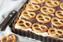 Tartes / Tartelettes / Knuspriger Teig und cremige Füllung - mehr braucht es nicht für leckere Tartes und Tartelettes. Von der No-Bake-Variante bis hin zu veganen Raw-Tartes sind hier viele Rezepte vertreten.
