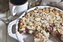 Crumbles / Clafoutis / Diese Rezepte sind besonders im Herbst und Winter lecker: Kirschen, Pflaumen oder Äpfel, überbacken mit einer Schicht knuspriger Crumbles oder versunken im Teig...