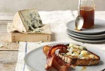Käse / Cheese / Reichhaltige Käseplatten, selbstgemachter Ricotta oder gebackener Camembert - Käse in seinen schönsten Formen