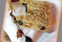 """""""Yeti"""" táska barnás színvilággal -Judy Majoros / Újrafelhasznált alapanyagokból kézzel készült egyedi táska. Megtekinthető a www.facebook.com/judymajorosdesign oldalon. Köszönöm az érdeklődést! :) Handmade by Judy Majoros- """"Yeti"""" Faux fur hobo bag Brown color scheme with leather fringe. Recycled bag"""