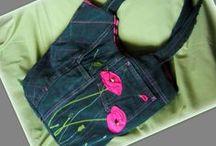 Pink pipacsos táska -Judy Majoros / Újrafelhasznált alapanyagokból kézzel készült egyedi táska. Megtekinthető a www.facebook.com/judymajorosdesign oldalon. Köszönöm az érdeklődést! :) Handmade by Judy Majoros - Pink poppy denim bag. Recycled bag. Denim hobo bag.