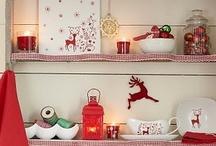 Vacances de Noël / La famille, les cadeaux, le sapin, le réveillon autour d'un feu de cheminée chaleureux… De nombreux moments magiques représentent l'une des périodes préférée de l'année : Noël. Ces vacances sont également les meilleurs moments pour se retrouver en famille et où petits et grands peuvent immortaliser ces instants merveilleux en photo…