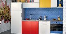 Bien aménager ma petite cuisine / Une vraie cuisine dans un petit espace, c'est possible : rangements optimisés, coin repas modulable, transition sur le salon … on vous partage 5 astuces de conception pour bien aménager votre petite cuisine !