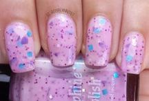 Indie Brand: Daphine Polishes / Store link: http://daphinepolish.com Full review and swatch photos available on my blog http://roselynn787.blogspot.com
