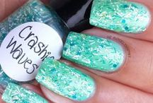 Indie Brand: Heather's Hues / Indie polishes by Heather's Hues.  Swatch Photos by http://instagram.com/roselynn787  Link to Shop: http://heathers_hues.storenvy.com/  Reviews and more swatch photos: http://roselynn787.blogspot.com