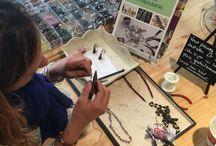 Ateliers créatifs chez Perles en folie à Lyon / Venez créer vos propres collections de bijoux et redonner vie aux anciens qui sont à réparer ....