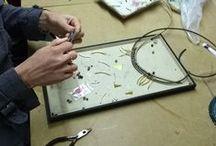 Réparation de bijoux / Renfilage, collage, démontage, strass perdu, fil cassé, customisation...