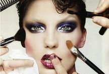 Tools / All you need to know about brushes, sponges, eyelash curlers... Tips, tricks and guides of how to use them!