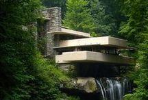 Béton coulé / avec du design d'espace et de l'architecture.
