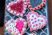 Valentines Day / Artesão Unique & Custom Cookie Molds help you make the perfect sweets for your sweetie! Our handcrafted silicone cookie molds are great for fondant, chocolate, candy making, sugar casting and more! Contact susan@artesaocookiemolds for more info.View our gallery of molds http://www.artesaocookiemolds.com  We do custom!